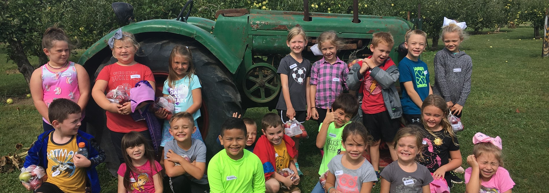 First Grade Trip to Lynd's Fruit Farm