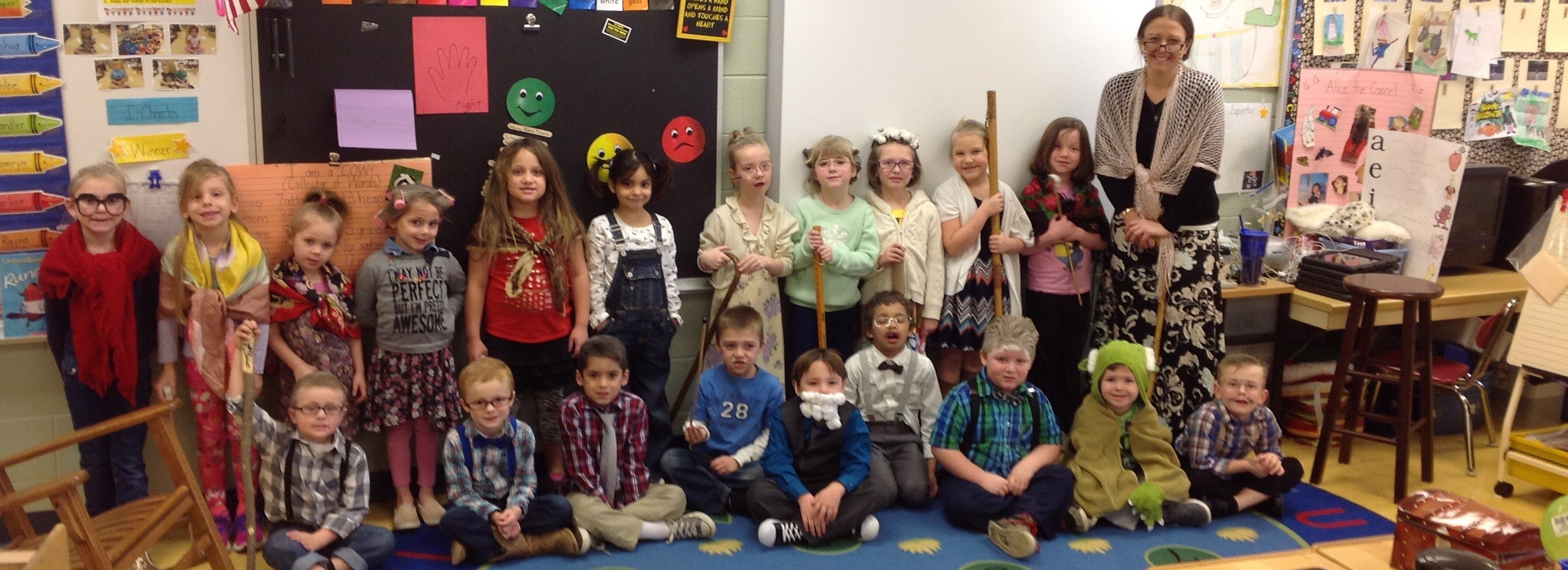 Mrs Mizer's Kindergarten Class Celebrating the 100th Day of School!