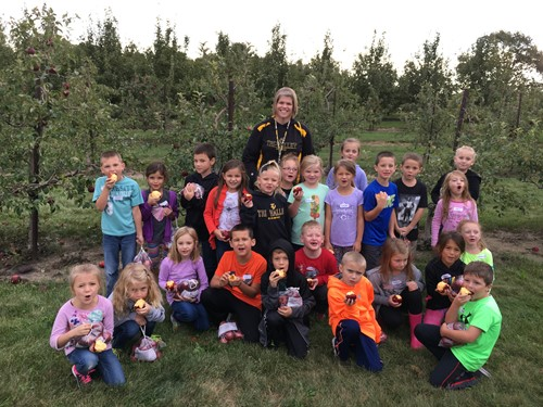 First grade visits the apple orchard.