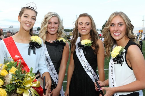 2016 Homecoming Queen Samantha Engle with senior attendants, Rylie Sterling, Rachel McMillen and Sierra Brown.